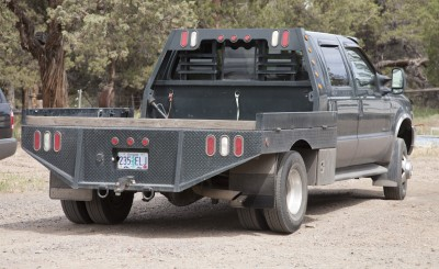 4x4 flatbed truck